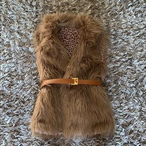 unbranded Jackets & Coats - Nice faux fur vest